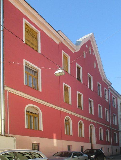 Ebben az Anna utcai házban élt Roder Judit 1944. május közepéig.