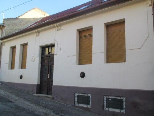 Ebben a szent Mór utcai házban élt a Sommer család 1944 május közepéig.